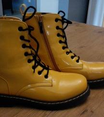 Nove efektne žute žizme