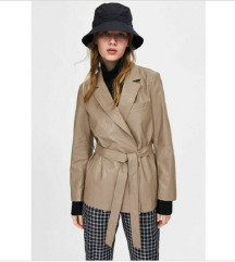 NOVO S ETIKETOM Zara kozna jakna s remenom