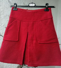 Vunena suknja u retro stilu