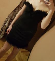 Crna haljina svecana s perjem