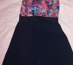 Cvjetasta haljina otvorenih leđa