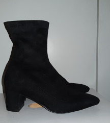 Shoe Box, br.37, kao nove
