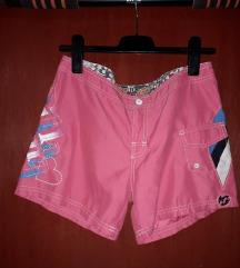 Roze kratke hlače sa džepovima