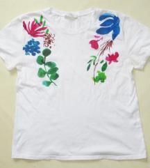 Zara majica s cvijetnim uzorkom