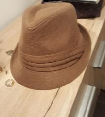 Camel šešir