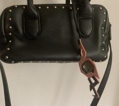 Zara crna torbica sa dva pretinca