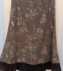 Ukrašena smeđa suknja sa satenskim volanom vel 38