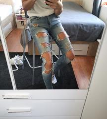 Pokidane jeans hlace