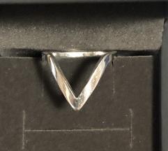 Srebrni prsten SNIZENO%