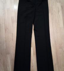 klasične crne hlače