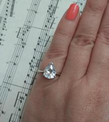 Vintage prsten srebro i kvalitetni cirkon
