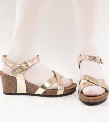 Zlatne plutene sandale