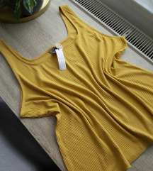 Nova rebrasta majica boje senfa