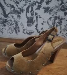Sandale levis