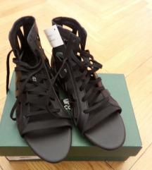 Lacoste crne kožne sandale