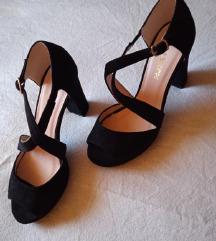 Le Scarpe nove sandale 36