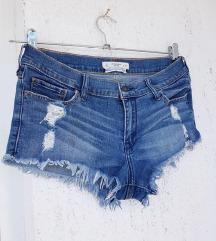 ABERCROMBIE & FITCH kratke traper hlače