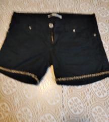 Kratke hlačice S teranova