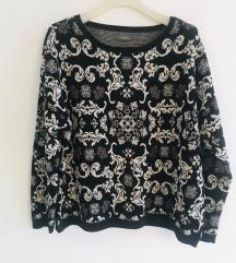 Crno bijeli pulover vel L