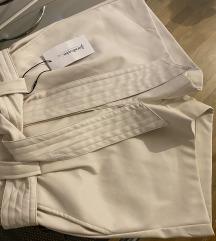 Bijele kožne kratke hlačice  34/36