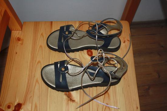 Kožne sandale Guliver