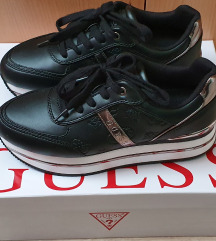 Guess tenisice br 37