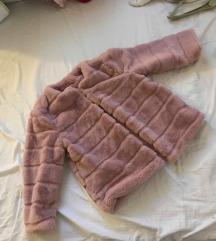 Roza krznena bunda