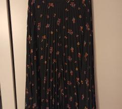 Crna suknja sa cvjetićima