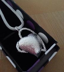 Srebrni lančić, srce u srcu, žig 925, kutijica