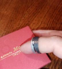 Prsten plemeniti čelik
