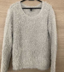 H&M čupavi pulover