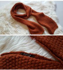 Pieces pleteni dugački šal