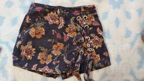 Kratke hlace/suknja