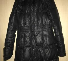 Prodajem crnu jaknu