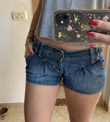 Kratke jeans hlacice