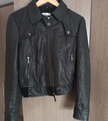 %% Top shop crna kožna jakna 44
