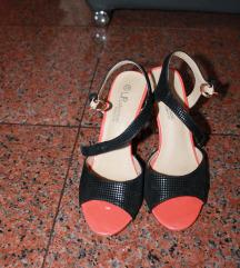 Sandale crne s narančastim elementima