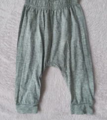 Sive hlače s natpisom za dječake