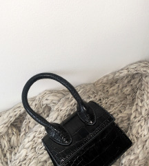 Predivna mini torbica