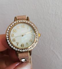 Moderan ženski sat