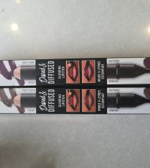 Nyx blurring lipstick