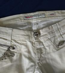 Jeans hlače boja pijeska veličina između 36 i 38