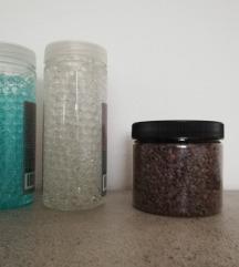 Ukrasni gel i kamenčići