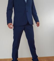 NOVO MANGO plavo odijelo vodootporno, ne gužva se