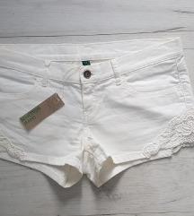 Benetton kratke hlače sa čipkom