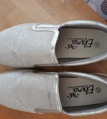 Slip on cipele br.37