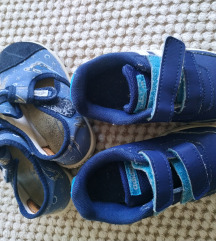Tenisice i papuče