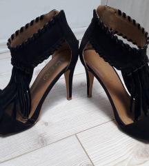 Sandale sa resicama