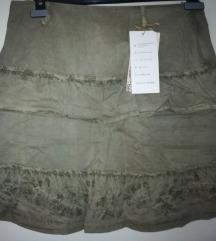 Suknja nova s etiketom