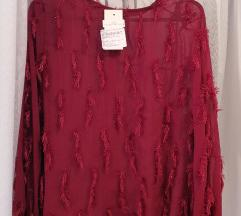 Tamno crvena bluza